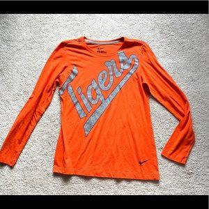 < Nike Clemson Tigers Tee >